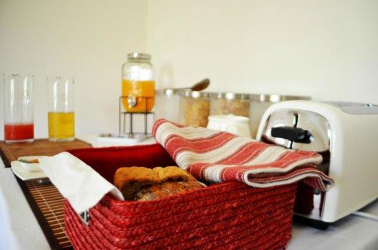 Dunmoylen House: Breakfast