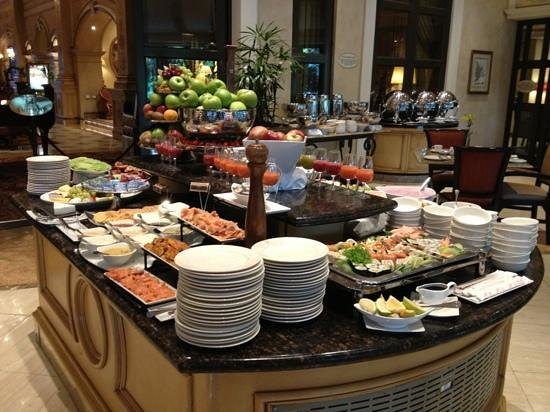Peermont D'oreale Grande at Emperors Palace: Part of the breakfast area.