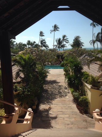 The Sunset Beach Resort & Spa, Taling Ngam: from Reception and Mainbuilding to Pool and Beach.