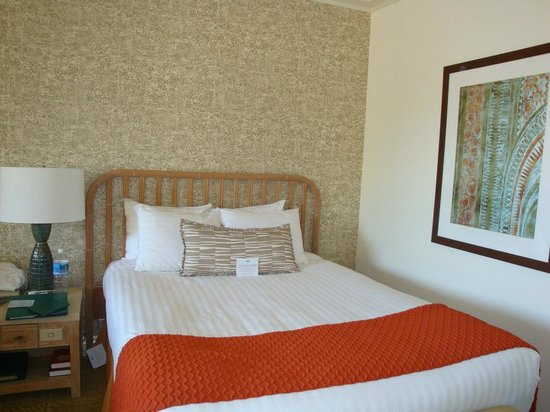 Hapuna Beach Prince Hotel: Room Bed
