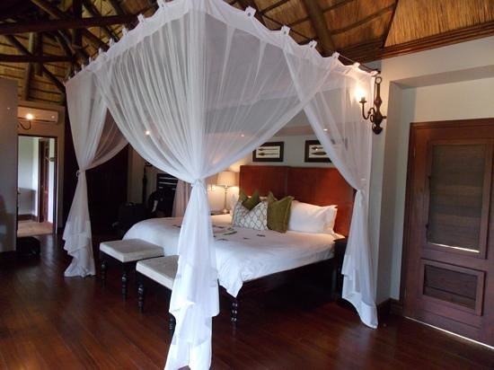 Lion Sands - Tinga Lodge: Our room.