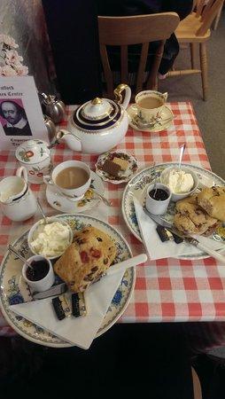 Emporium Tea Room: Cream Tea.