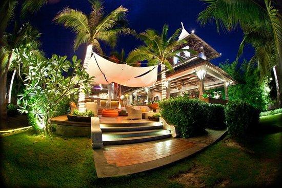 Royal Muang Samui Villas: Spice Zone Beach Restaurant