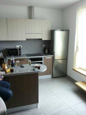 Salvator Superior Apartments: кухня