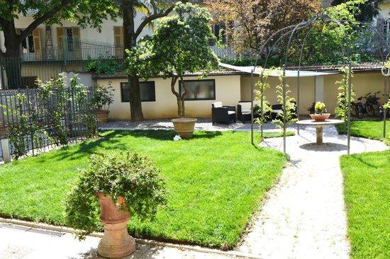 Gourmet B&B Villa Landucci: giardino