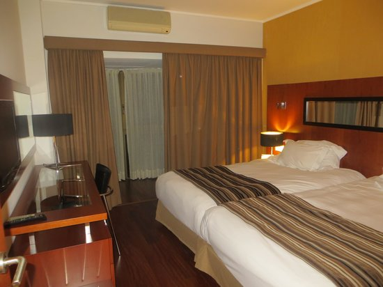 Clarion Suites Lisbon: HABITACION