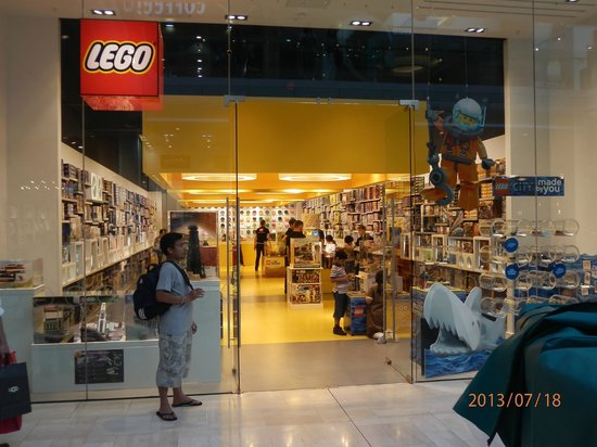 8f8efc8324c5 Westfield London  A Great LEGO store.. kids loved it. They have abundant