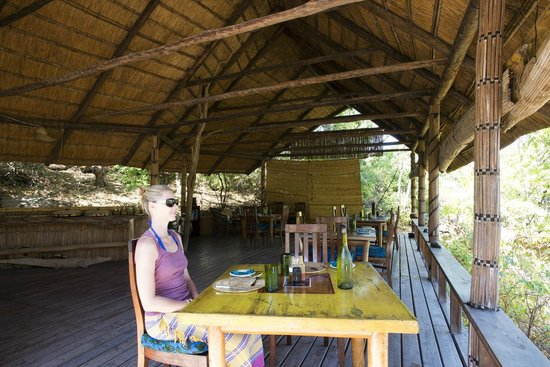 Mumbo Island: Mumbo's open sided dining room