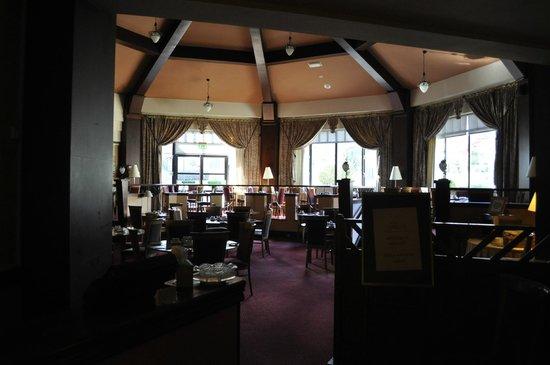 Roe Park Resort : Breakfast room