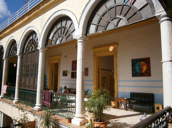 Hostal Zócalo: Huge common space