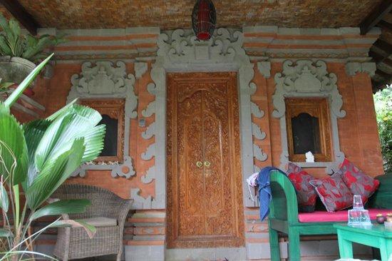 Geria Giri Shanti Bungalows: 房间louge