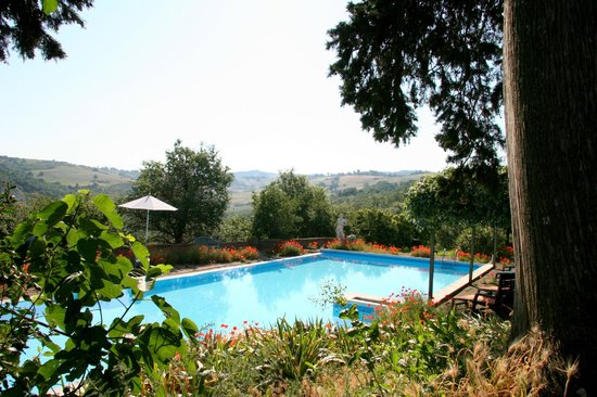 Mansion Le Valli , Holiday apartments with pool: Pool mit Aussicht in die Toskana. «Le Valli»