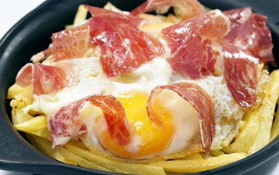 Lizarran: Huevos rotos con jamón