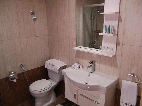 orient prince hotel executive suite bathroom