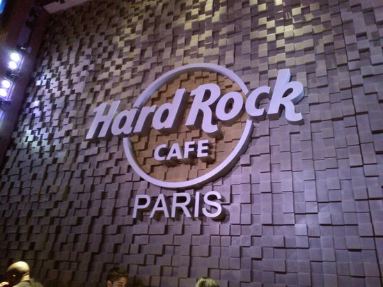 Hard Rock Cafe Paris : un mur spectaculaire !