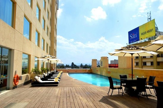 Four Points By Sheraton Hotel & Serviced Apartments, Pune: Very clean pool