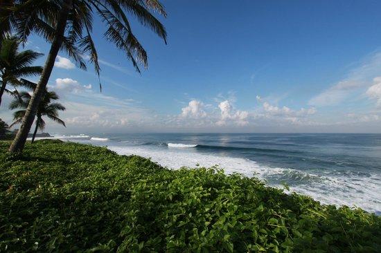 Pan Pacific Nirwana Bali Resort : ホテル前の海