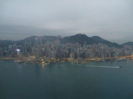 The Ritz-Carlton, Hong Kong : Hong Kong Island at Dawn