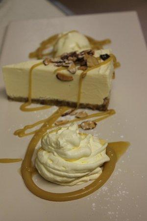 Stony River Hotel: Frangelico - almond cheesecake