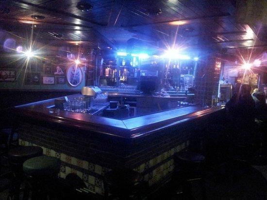 FloJos: Die Bar im Erdgeschoss.
