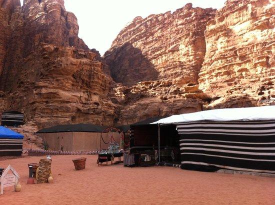 Rahayeb Desert Camp : Campo