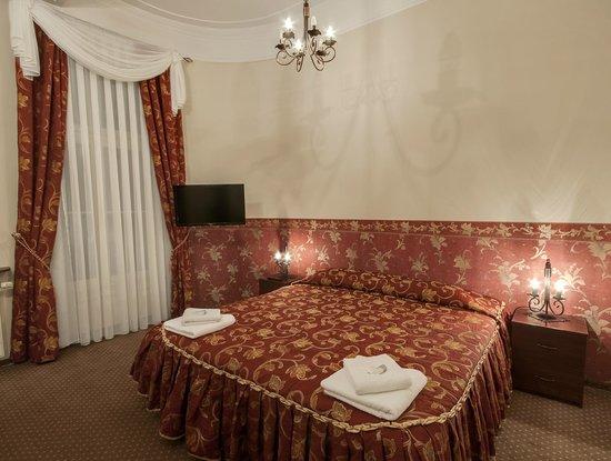 Abella Guest Rooms: Suite