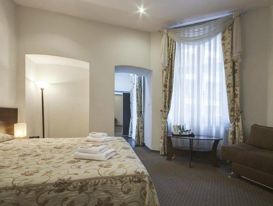 Abella Suites&Apartments: Suite