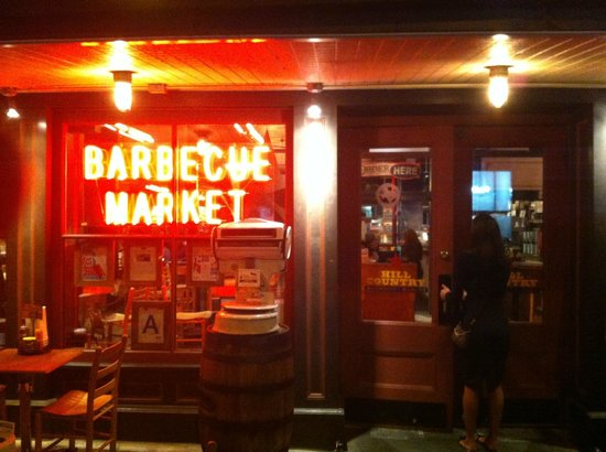 Hill Country Barbecue Market: entrata
