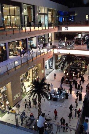 Dubai Shopping Centre: General view of shopping centre