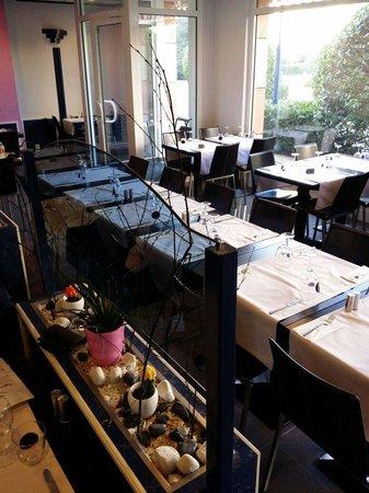 Restaurant des Fontaines : Interieur sympa.