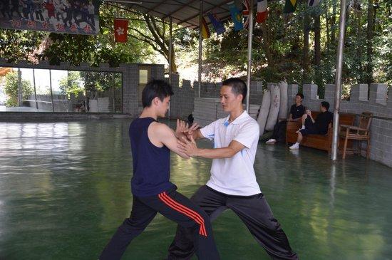 Yangshuo Nengda Taichi & Kungfu School: Push hands