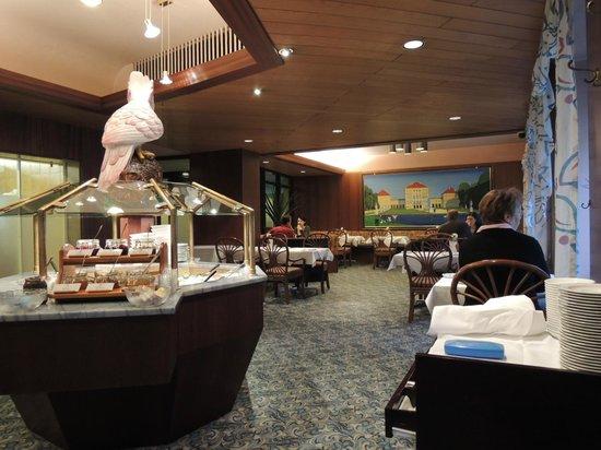 Hotel Europaischer Hof: 朝食はレストランのビュッフェ