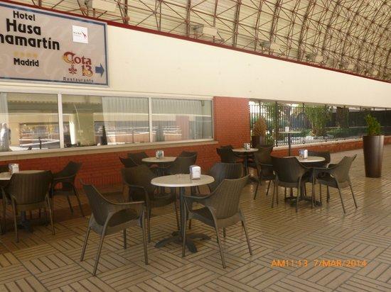 Weare Chamartín Hotel: Patio con terraza.