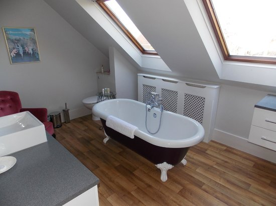 The Old Rectory Country House: The Chinese Room - Bathroom