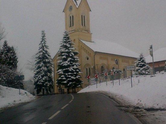 Hotel Octárna: Just outside Kromeriz on way to CZ/Slovak border