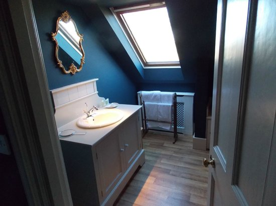 The Old Rectory Country House: The Blue Room - Bathroom