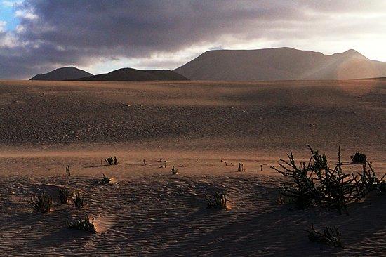 Parque Natural de Corralejo: Changing light