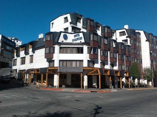 NH Bariloche Edelweiss: frente hotel