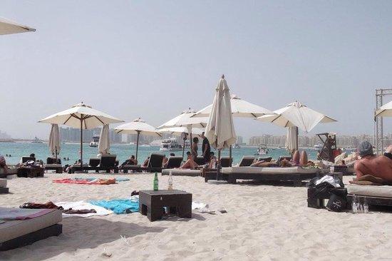 Barasti Beach Bar: Beautiful and lively place!
