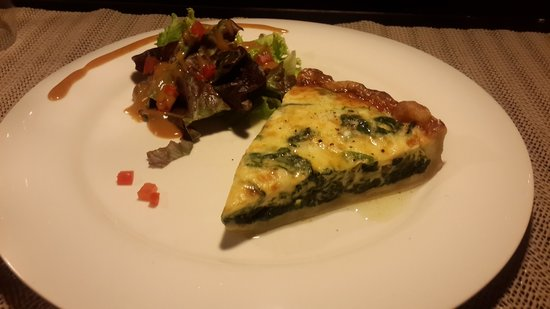 Froggy's French Bistro: Quiche Spinach & Blue cheese ...Very Delicious!!!