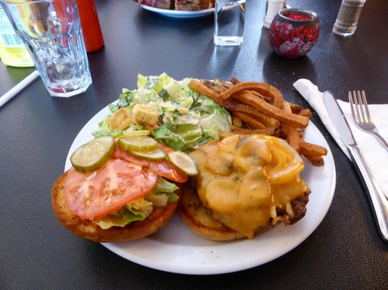 Charlotte Anne's: Burger with 1/2 & 1/2