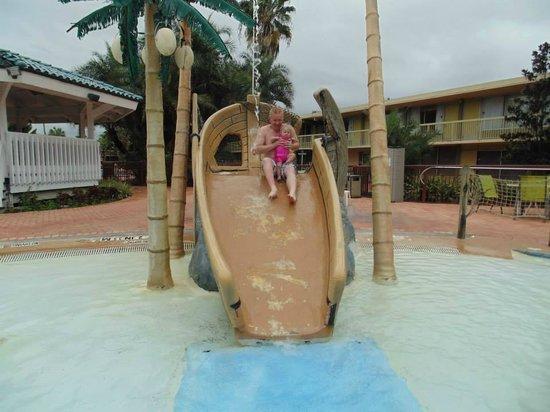 Clarion Hotel & Conference Center : kiddie slide