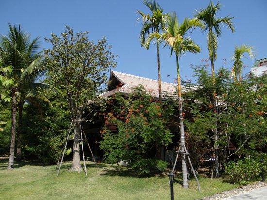 "Chompor Lanna: Vue extérieure de la chambre ""Villa 1"""