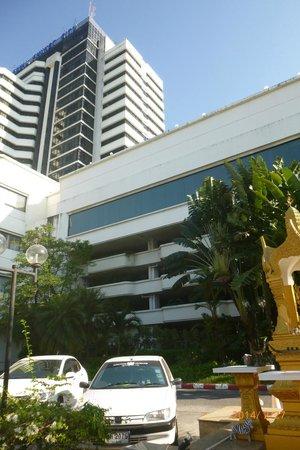 Royal Phuket City Hotel : ホテル外観