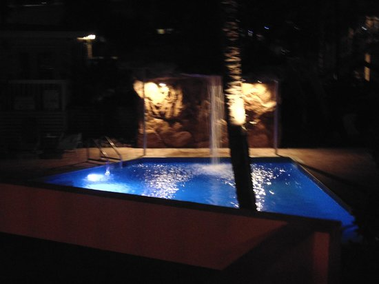 The Lighthouse Resort Inn and Suites: pool