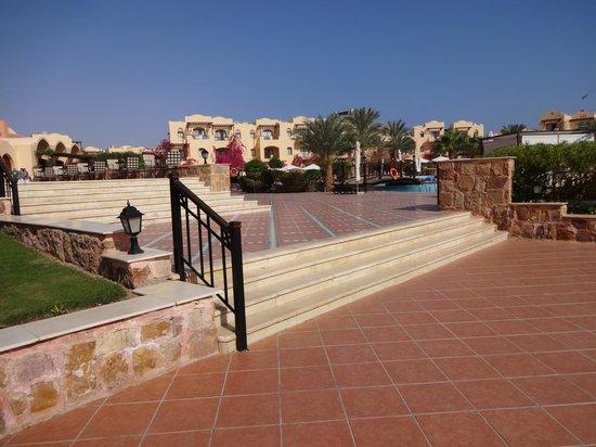 Steigenberger Coraya Beach: Hotel from Beach