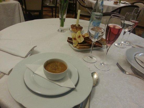 Ristorante Enzo: Zuppa di ceci e zucca gialla