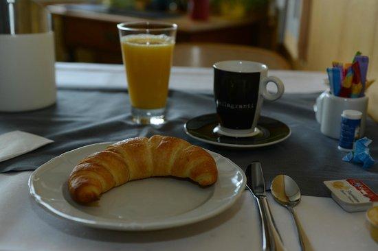 Pension Alpenrosli: Breakfast
