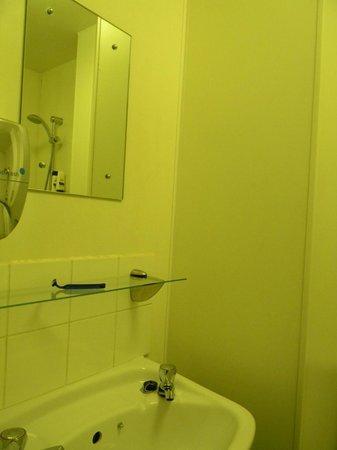 Safestay Edinburgh : baño