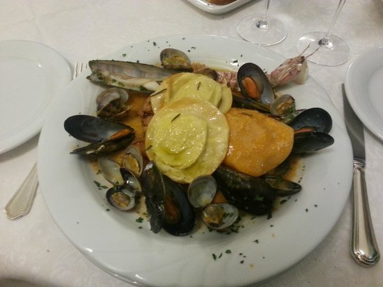 Ristorante Enzo: Ravioli di patate con polpo in guazzetto